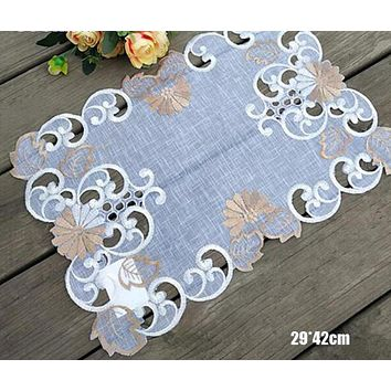 White Cut Finish Embroidery Designed Placemat