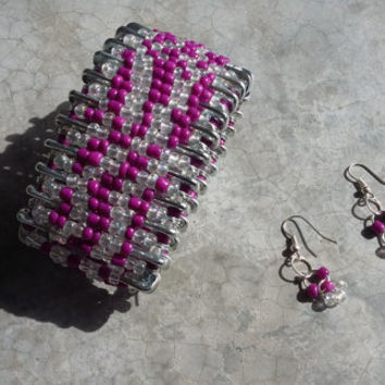 Safety Pin Bracelet and Earrings with Purple and White Beads Design - Unique Gift - Crafty Bracelet Handmade Jewelry