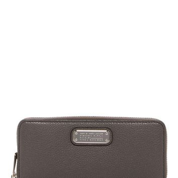 DCCKHB3 Marc by Marc Jacobs | New Q Slim Zip Continental Leather Wallet