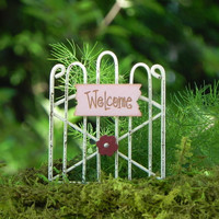 Fairy Garden Gate welcome pink with flower