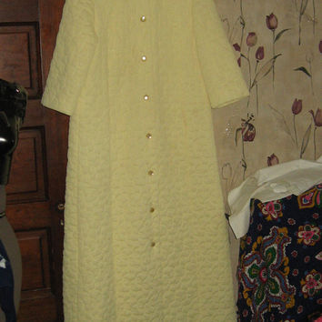 1960 ladies yellow quilted VANITY fair long robe housecoat size  14