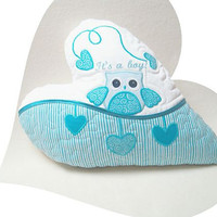 It's a boy!  Personalized  Owl Baby Pillow, Birth Welcome Baby Boy,  Baby Shower Gift Idea,