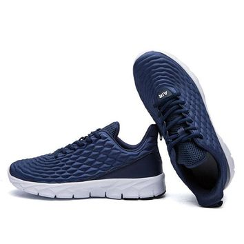 Men Rhombic Pattern Trainers Casual Sneakers