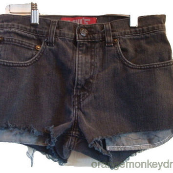 LEVI skinny jeans vintage age wash black angle cut off women denim frayed shorts Size 28 PEEP Pockets