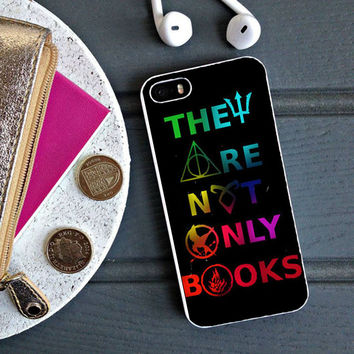 Divergent Hunger Game Harry Potter Book iPhone 5S Case Sintawaty.com