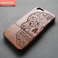Skull iPhone 5S case - Wood iPhone 5 case - Wooden iPhone 5S Case - Floral skull iPhone 5 case - Cool iPhone 5S case - Sapele - 120008
