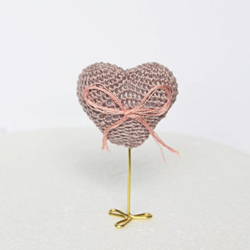 crocheted heart amigurumi, cake topper, wedding table decor, Party favor, Heart stand, Wedding favor, Centerpiece Table decor, Wedding Heart