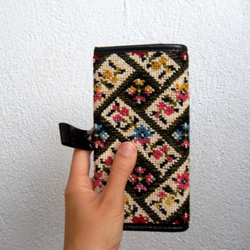 Kilim Fabric Clutch Wallet, Colorful Tapestry Hippie Purse, Pink, Blue, Yellow, Embroidery Art Womens Organizer, Boho Tribal Geometric Pouch