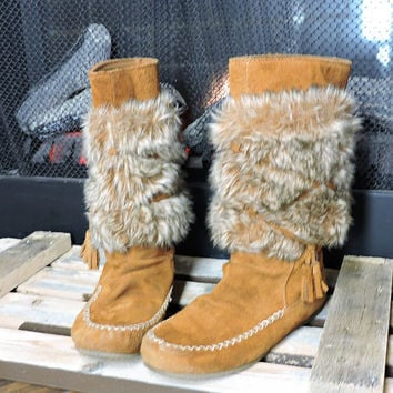 Moccasin boots / Vintage leather suede mukluk boots / size 7 / faux fur boho boots / Minnetonka leather faux fur boots / SunnyBohoVintage
