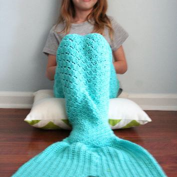 Crochet Mermaid Tail, dress up mermaid costume, dress up mermaid tail, baby mermaid costume, newborn mermaid, Newborn to 12 month sizes