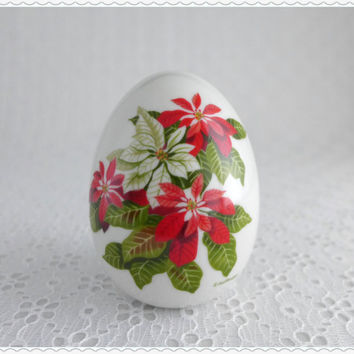 Porcelain Egg Figurine, Vintage Avon Collectible, Winter's Treasure, Red Poinsettias, Winter Season, White Egg, Red Green Christmas Flowers