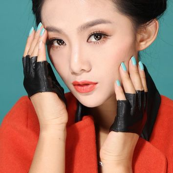 2015 lady women half palm finger tshow model dancing lovely Sexy 5-fingerless genuine Leather  fashion leather gloves mittens