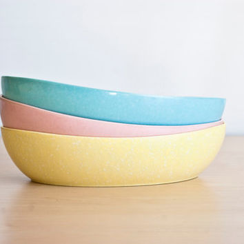 Vintage Confetti Melamine Serving Bowls, Oval Pastel Colored Melmac Bowl Set, Pink, Robin Egg Blue, Yellow