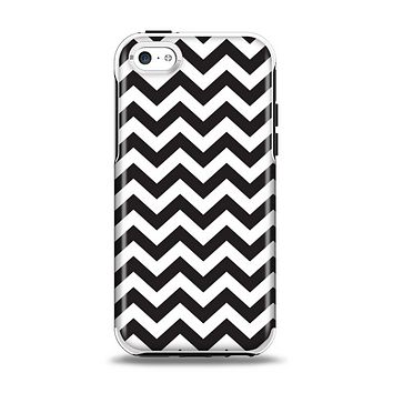 The Black and White Zigzag Chevron Pattern Apple iPhone 5c Otterbox Symmetry Case Skin Set