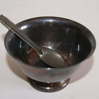 Vintage 1960s REED AND BARTON Paul Revere Design Silver Plate Small Bowl Nut Dish Or Jelly Dish With Serving Spoon