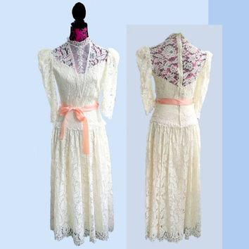 Vintage Ivory Lace Wedding Dress 1940s iglwu three quarter sleeve victorian gown