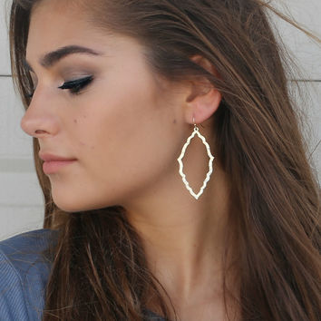 Light Rain Matte Gold Earrings