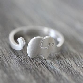 Silver Elephant Wrapping Finger Cuff Ring (Adjustable)