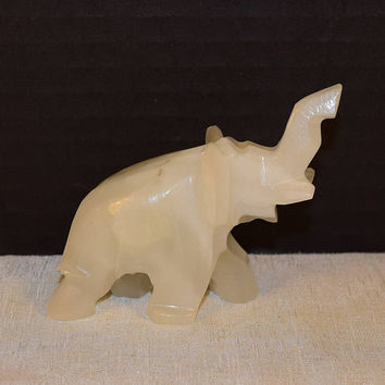 White Quartz Elephant Figurine Vintage Miniature Carved Stone Lucky Elephant Good Luck Charm Alabaster Onyx Quartz Sculpture Fengshui