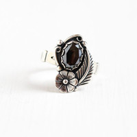 Vintage Sterling Silver Hematite Ring - Signed WM Co. Size 6 3/4 Native American Style Bezel Set Gray Stone Flower & Leaf Jewelry