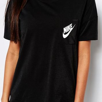 5bf471e2 Nike Small Logo Oversized Signal T-Shirt from ASOS | Clothes👚👗🎽👖.