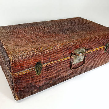 Antique Woven Bamboo Rattan Cane Wicker Suitcase Wood Interior Home Decor Asian Style Train Case Trunk Rustic Home Decor Vintage Luggage