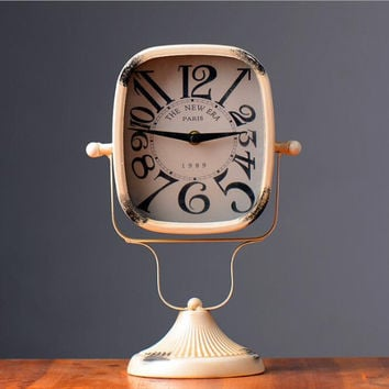 Retro Shabby Beige Color Metal Clock Home Desk Table Clock Ornament Decoration