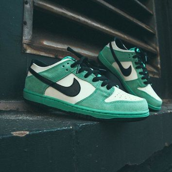 [Free Shipping ]Nike SB Dunk Low Pro Ishod Wair Men's Shoe Sea Crystal Green 819674-301