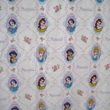 Disney Princess Snow White Belle Jasmine Cinderella Flat Bedding Sheet Twin Size Craft Fabric Clean Gently Used