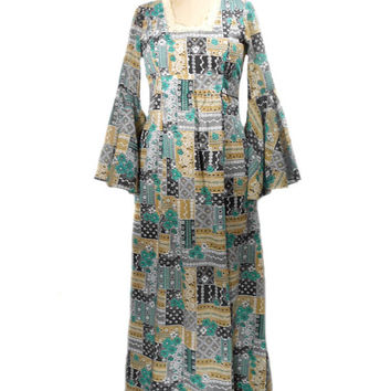 1970s Patchwork Maxi Dress / Bell Sleeves / Cotton / Hippie Boho Bohemian Woodstock / Flare Sleeves / Womens Vintage Dress / Size 12