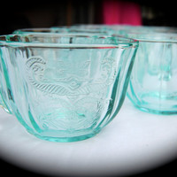 Depression Glass//Teal//Cups//Tea Cups//Madrid Pattern