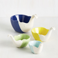 Have You Herd the News? Measuring Cups | Mod Retro Vintage Kitchen | ModCloth.com