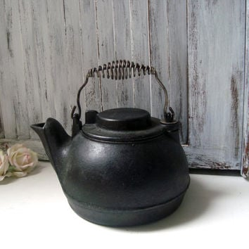 Antique Cast Iron Kettle Tea Pot, Wagner Ware Original 1891 Tea Pot, Black Kettle, Rustic Kitchen, French Farmhouse, Country Cottage Kitchen