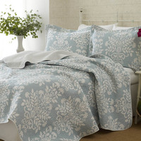 100-percent Cotton King Size 3-Piece Coverlet Quilt Set in Blue White Floral Pattern