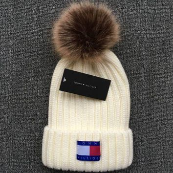 Tommy hilfiger 2018 new autumn and winter ball warm wool hat White