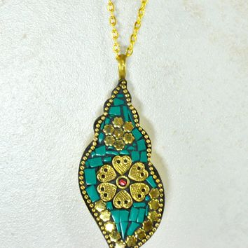 Tibetan Conch Shell Necklace in Turquoise Mosaic