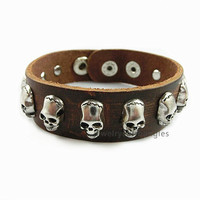 Punk style leather bracelet, skull deserve to act the role of bracelets, personalized bracelets, both men and women, friends gifts A05