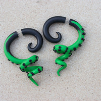 Green octopus gauges, Fake gauges earrings, tentacle gauges, Black green gauges, Customizable gauges, 0g, 00g, 2g, Fake ear plug, Tentacle