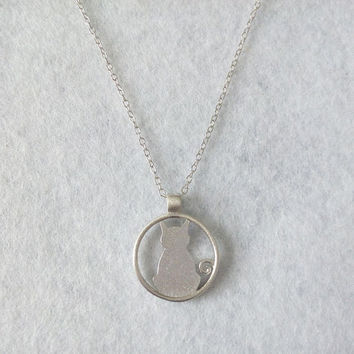 Cute Cat Pendant Necklace, Sterling Silver Cat Necklace,Round Necklace,Animal Necklace,cat charm necklace,Cat Jewelry,gift for her