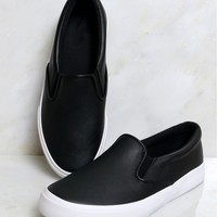 In My Shoes Flat Black/White