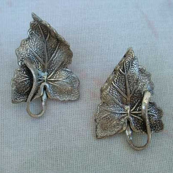 BARTEK Silverplated Leaf Earrings High Detail Clip Ons Vintage Floral Jewelry