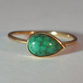 Pear Shaped Turquoise Bezel set in 14K Gold Ring, size 6.25