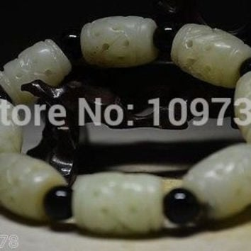 00880 Pure Natural Chinese fine Jade Hand Carved Flexibility Bracelets