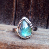 Vibrant tear drop shape labradorite gemstone, hammered sterling silver ring band, size 6.50 ready to ship