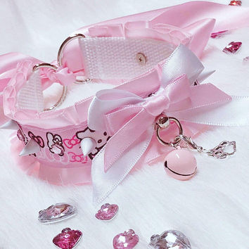 MADE TO ORDER- Pink and White Hello Kitty Pastel Spiked Rhinestone Collar