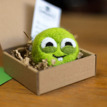 Green monster. Lime green felted soap. 100% natural and eco friendly. Great gift for everyone, bath toy and shower helper!