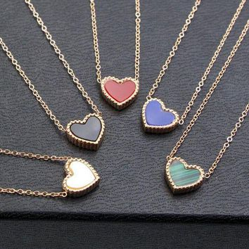 DCCKJ1A Small Flower Side Heart-Shaped Titanium Steel Necklace Simple Peach Heart-Shaped Collarbone Chain Accessories