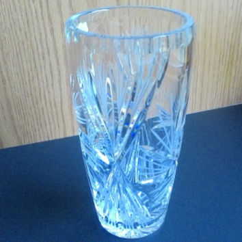 "Vintage Violetta Cut 24% Lead Crystal Vase 8"" Tall Pinwheel Star Design made in Poland"