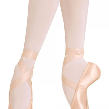 Bloch Women's European Balance Ballet Pointe Shoe