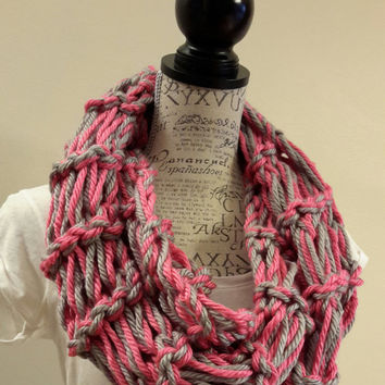 Knit chunky Pink Pinot cowl. crochet chunky infinity scarf. Made by Bead Gs on ETSY. double stitch